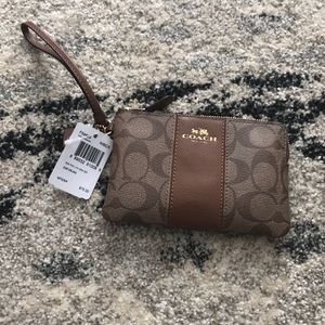 NWT Coach wristlet wallet